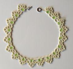 Brautschmuck: Collier, Armband und Ohrringe  (Schmuckset 28)  Plus Schmucketui, Farbe Champagner im Format 18cm x 18 cm Erhältlich in meinem Etsy - Shop