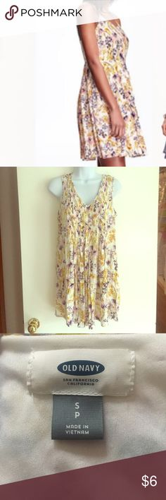Old Navy lined floral sundress Old Navy lined floral sundress. Worn once. EUC. Old Navy Dresses Midi