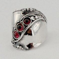Adembenemende nieuwe Sterling Zilver granaat band door hadarjewelry