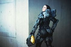"""""""Just got some new Halo5 Kelly-087 shots back from @u.v._photography (^∇^)here is a behind the scenes shot from  NYCC to give you an idea of what's to…"""""""
