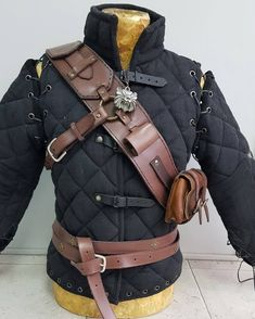 Witcher 3 Ursine Armour Baldric replica of the Geralt of Rivia The Witcher, Witcher Armor, Leather Armor, Cow Leather, Leather Craft, Larp, Cosplay, Archery Gear, Armor Clothing