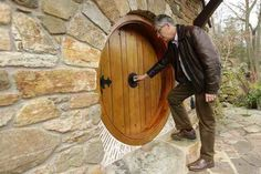 I Can't Decide If This Hobbit Home Is Crazy Or Brilliant… But One Look Inside And I Want To Stay There. | Cornwall Holiday Guide  real_hobbit_house_04