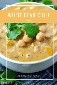 Healthy White Bean Chili - Vegan, Oil-Free, Gluten Free Our weather has been a bit indecisive lately. Do I want to rain, or do I want to snow? Do I want to be degrees or a rather balmy It decided to be the latter yesterday, right before it raine… Vegan Soups, Vegan Dishes, Vegan Vegetarian, Vegetarian Recipes, Healthy Recipes, Healthy Moms, White Bean Chili Vegetarian, White Bean Chilli, Vegan Bean Soup