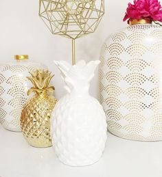 Accessorize your home. Love this look.  Via VictoriamSalerno:Tumbir...... Brown eye gal blog***