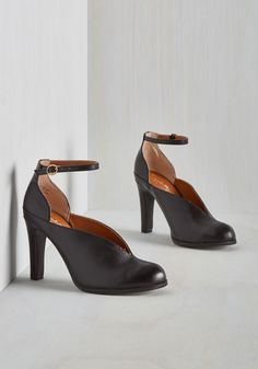 Flute Heel in Black. Get your trills by taking these black leather heels out for work or play! #black #modcloth