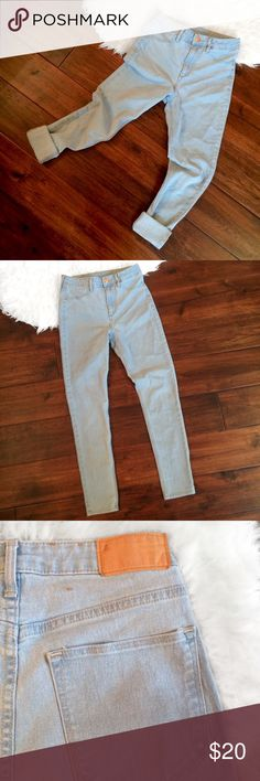 SOLD ❤️ High-waisted light-wash skinny ankle jeans by &DENIM with a vintage Levi's vibe at a fraction of the price. Stone-washed in a cool faded blue. Size 28.Very trendy yet classic style and in great condition. &DENIM Jeans Skinny