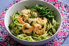 Marinated shrimps with lime and zucchini spaghetti - Recettes pour un plat - Raw Food Recipes Raw Food Recipes, Healthy Recipes, Marinated Shrimp, Zucchini Spaghetti, Entrees, Spinach, Cabbage, Clean Eating, Food And Drink