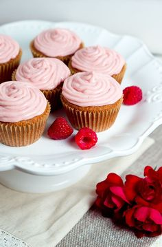 Gluten Free Almond Cupcakes with Raspberry Cream Cheese Frosting - So delicious! (Also, how to make pink frosting without artificial food coloring) #glutenfree #light #healthy #dessert