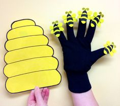 Bugs bugs bugs | Sunflower Storytime  Here's a Little Bee Hive Printables