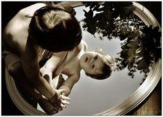 """""""Dicen que hay que ver para creer, así que ponte frente a un espejo y empieza a creer en Tí""""."""