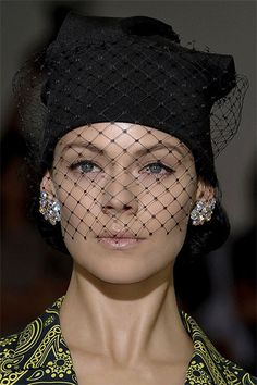 Hat with veil DIY for your Deep Love funeral attire.