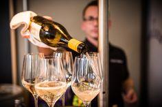White Wine, Alcoholic Drinks, Glass, Food, Drinkware, Corning Glass, Essen, White Wines, Liquor Drinks