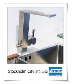 Köksblandare med raka stilrena linjer i rostfritt stål. Diskmaskinsavstängning monterad på blandarens sida. #stockholm #strandstainless #rostfritt #köksinredning #köksblandare #renovering #kök #köksinspo Stockholm City, Sink, Home Decor, Sink Tops, Vessel Sink, Decoration Home, Room Decor, Vanity Basin, Sinks
