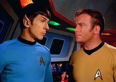 Star Wars, Star Trek Tos, Sci Fi Movies, New Movies, Star Trek Convention, Spock And Kirk, Star Trek 1966, Star Trek Episodes, Star Trek Captains