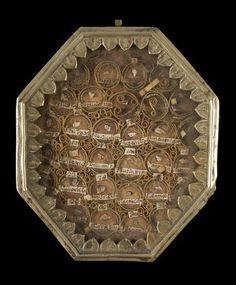 reliquary box - http://www.photo.rmn.fr/  boite-reliquaire calendrier