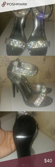 Rhinestone evening shoes Gunmetal grey sparkly shoes.  Very elegant.  Worn once for a wedding. touch of Nina Shoes Heels