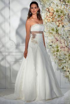 "Isabel de Mestre - Miss Isabel Kollektion 2015: Brautkleid ""Galante"" trägerlos…"