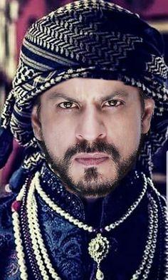 SRK ♥King khan Shahrukh Khan And Kajol, Salman Khan, Bollywood Couples, Bollywood Stars, Black Patiala Suit, Shah Rukh Khan Quotes, India Actor, My Name Is Khan, Don 2