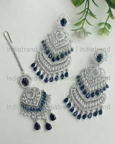 Indian Jewelry Earrings, Indian Jewelry Sets, Fancy Earrings, Silver Jewellery Indian, Jewelry Design Earrings, Indian Wedding Jewelry, Gold Earrings Designs, Bridal Jewelry Sets, Bridal Earrings