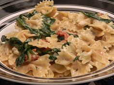 One Day At A Time - From My Kitchen To Yours: Spinach, Mushroom, Sundried Tomato Boursin Pasta Boursin Recipes, Pasta Recipes, Boursin Cheese, Fun Cooking, Cooking Recipes, Spinach Stuffed Mushrooms, I Love Food, Pasta Dishes