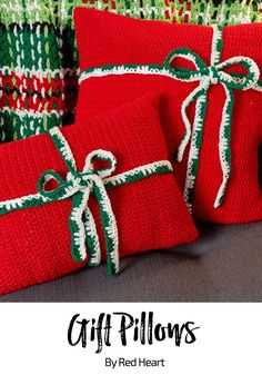 Gift Pillows free crochet pattern in Super Saver.