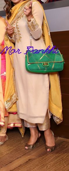 Shirt, pant and dupatta colour combo Indian Attire, Indian Wear, Indian Outfits, Punjabi Suits Designer Boutique, Indian Designer Suits, Boutique Suits, Embroidery Suits Punjabi, Embroidery Suits Design, Kurti Designs Party Wear
