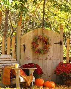 Pretty outdoor fall decor and great gate! I like lettering across ...