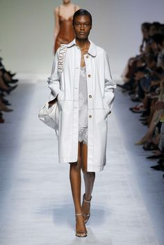Ermanno Scervino, Primavera/Estate 2019, Milano, Womenswear Ermanno Scervino, Runway Fashion, Milan, Ready To Wear, Women Wear, Shirt Dress, Spring, Coat, How To Wear