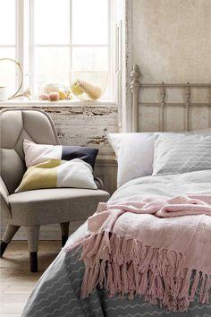 23 Celebrity Bedrooms We Want to Sleep In Celebrity Bedrooms, Target Decor, Target Furniture, Ikea New, H&m Home, Cozy Bedroom, Bedroom Ideas, Scandinavian Bedroom, Bedroom Inspiration