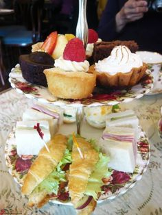 Mini High Tea - 7 pieces per person combination sweet & savory