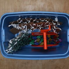 """Prevent """"tangle rage"""" with these easy storage ideas for string lights! // #Christmas #lights #holidays #hacks"""
