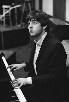 "beatlemania-1960s: ""Credit: Michael Peto/© University Of Dundee, The Peto Collection Paul McCartney, 1965 """