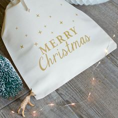 Image of MERRY CHRISTMAS SEUL existe en 3 tailles Merry Christmas, Tableware, Wrapping, Gift, Cards, Merry Little Christmas, Dinnerware, Tablewares, Wish You Merry Christmas