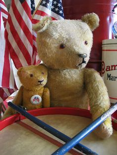 Patriotic bears with drum ~ cute decorating idea for the 4th!