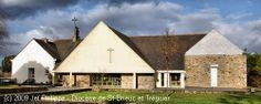 Église Saint-Guénolé de la Ville-Ginglin en Saint-Brieuc (Iliz Sant-Wennole Ker-Jinglenn e Sant-Brieg)  Eglise St-Guénolé, Ginglin - voir en grand cette image Eglise St-Guénolé, Ginglin     © Jef Philippe   L'église Saint-Guénolé de la Ville-Ginglin fut construite en 1955. Elle succède à une ancienne chapelle Saint-Gilles