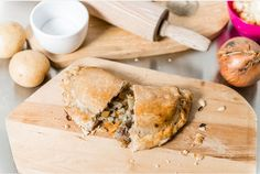WORLD'S FIRST (OR SECOND) GLUTEN-FREE CORNISH PASTY (01 August 2016) | Helston's Good Food Bakery, Cornwall: They use 'a range of secret ingredients as well as products such as rice flour and vegetable fat.' But 'Let Them Eat, based in Saltash, says they have been selling a gluten-free pasty for the past five years which is officially certified by Coeliac UK.' Not sure about that onion.     ✫ღ⊰n