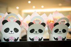 Decorado por Fabiana Moura, o aniversário com tema panda ficou demais. Vem ver todas as fotos e as comidinhas do Addad Franco