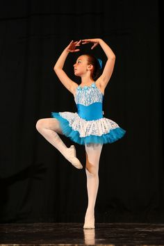 Young ballet dancer - from ballet recital in Buonconvento (Siena - Tuscany - ITA)