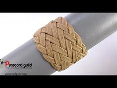 One two three Grafton variation of the gaucho knot - Paracord guild Paracord Knots, 550 Paracord, Paracord Bracelets, Paracord Weaves, Macrame Bracelets, Box Patterns, Weaving Patterns, Gaucho, Paracord Knife Handle