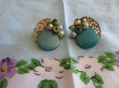 Vintage Thermoset and Glass Bead Earrings/Vintage Costume Jewelry/Vintage…