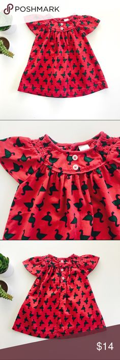 [girls] Nordstrom Baby dress Nordstrom Baby dress in lightweight soft corduroy in bright pink with green ducks print. Size 3 months. In excellent condition. Nordstrom Baby Dresses