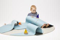 "playing carpet ""auf hoher See"" designed by Leonarda Spassova * visit www.afilii.de"