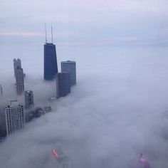 View from Trump Tower as fog rolls in over Chicago. Trump Chicago, Trump International Hotel, Trump Tower, 5 Star Hotels, Willis Tower, Michigan, Rolls, City