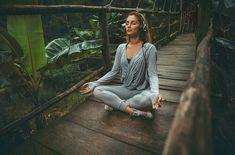 Meditation Space, Guided Meditation, Meditation Corner, Meditation Quotes, Chakra Meditation, Mindfulness Meditation, Beautiful Yoga, Young And Beautiful, Beautiful Things