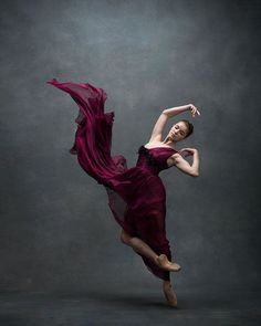Dance photography and interviews with the leading dancers - both ballet and modern dance. Photographers Deborah Ory and Ken Browar. Dance Photography Poses, Dance Poses, Ballet Pictures, Dance Pictures, Ballet Art, Ballet Dancers, Ballerinas, Shall We Dance, Just Dance