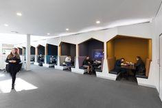 Gallery of Deakin University Burwood Student Plaza / ThomsonAdsett - 6