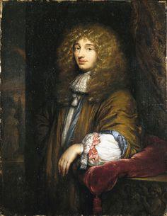 Dit is een foto an Christiaan Huygens de uitvinder van de slingerklok hij ontdekte dat als je een slinger lang genoeg maakt duurt het precies een seconde om heen en terug te gaan. Hij was ook een schrijver van science fiction. En hij was ook nog een filosoof, hij heeft ook de telescoop verder ontwikkeld en daarmee kon hij de ringen van Saturnus verklaren en ontdekte daarbij de maan titan