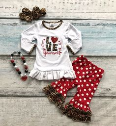 730b0e77f20 ... clothing color directly from China clothing machine Suppliers  cotton  Valentine s day boutique baby girls outfits kids clothing ruffles suit heart  love ...