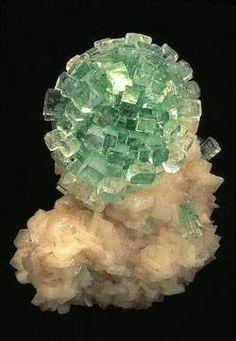 As mais incríveis pedras preciosas verdes do mundo                                                                                                                                                                                 Mais
