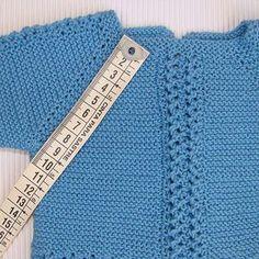 Jersey-de-bebe-carlitos | Puntomoderno.com Baby Booties Knitting Pattern, Baby Boy Knitting, Knitting For Kids, Baby Knitting Patterns, Diy Crochet Cardigan, Knitted Baby Cardigan, Knitted Baby Clothes, Knit Art, Knitting Charts